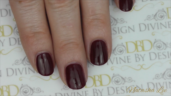 How To Neatly Paint Your Nails