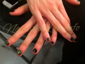 Model Black & Green Nails