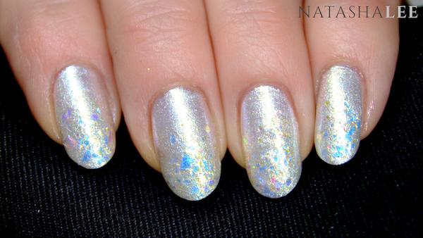 White Elegant pearl glitter nail art