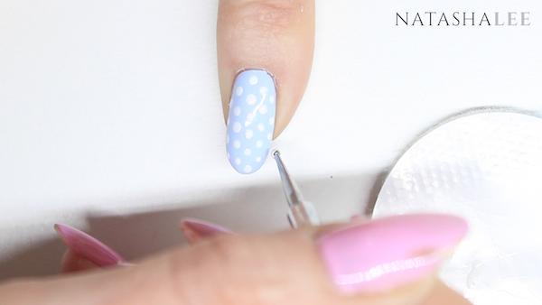 dotty heart nail art